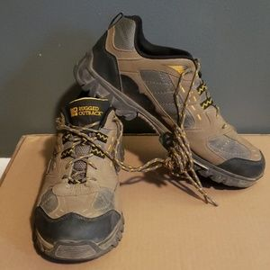 Rugged outback mens shoes